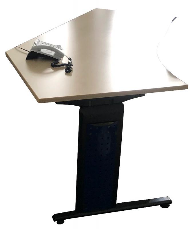 Freiformschreibtisch, Schreibtisch, AHORN, OKA, Cockpitform