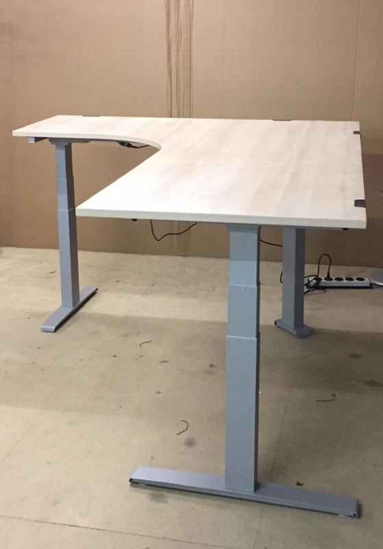 Steh-Sitz Winkelschreibtisch, Steelcase - Pinie